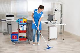 Comment nettoyer et désinfecter un bureau?